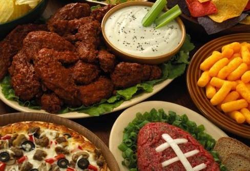 Huddle-up-with-Super-Bowl-party-ideas-1CU5DG2-x-large-e1422592952446